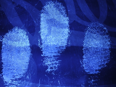 PolyCyano UV fingerprint stain